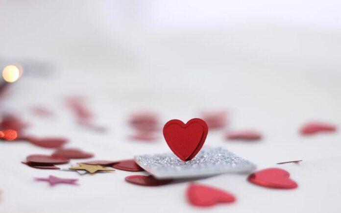 किसी के प्यार में