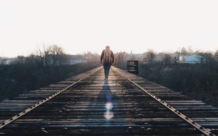 जिंदगी का सफर मुश्किलों से ढ़ला