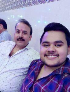 कवि : शेर सिंह हुंकार अपने पुत्र के साथ
