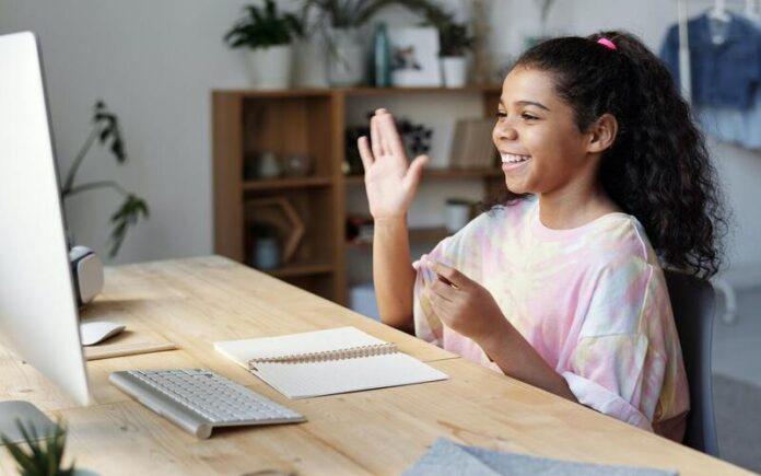 ऑनलाइन स्टडी ( Online Study ) से होने वाले फायदे और नुकसान