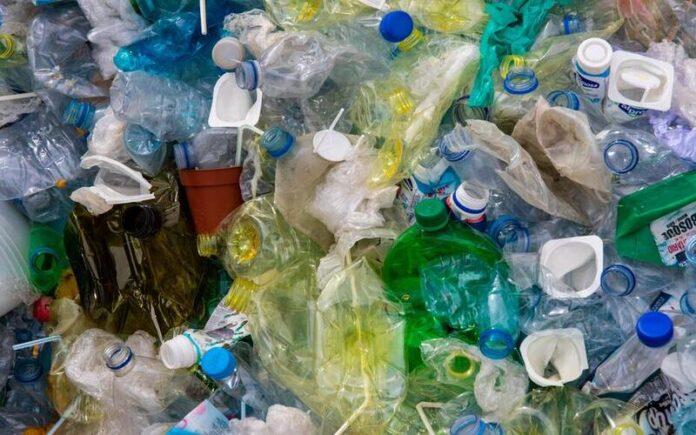 क्या प्लास्टिक को बैन करना चाहिए