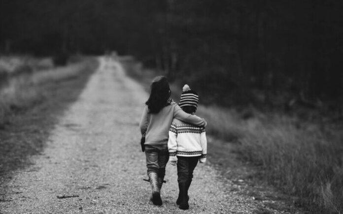 समझें गर जो दोस्ती दुश्मनी नहीं होती